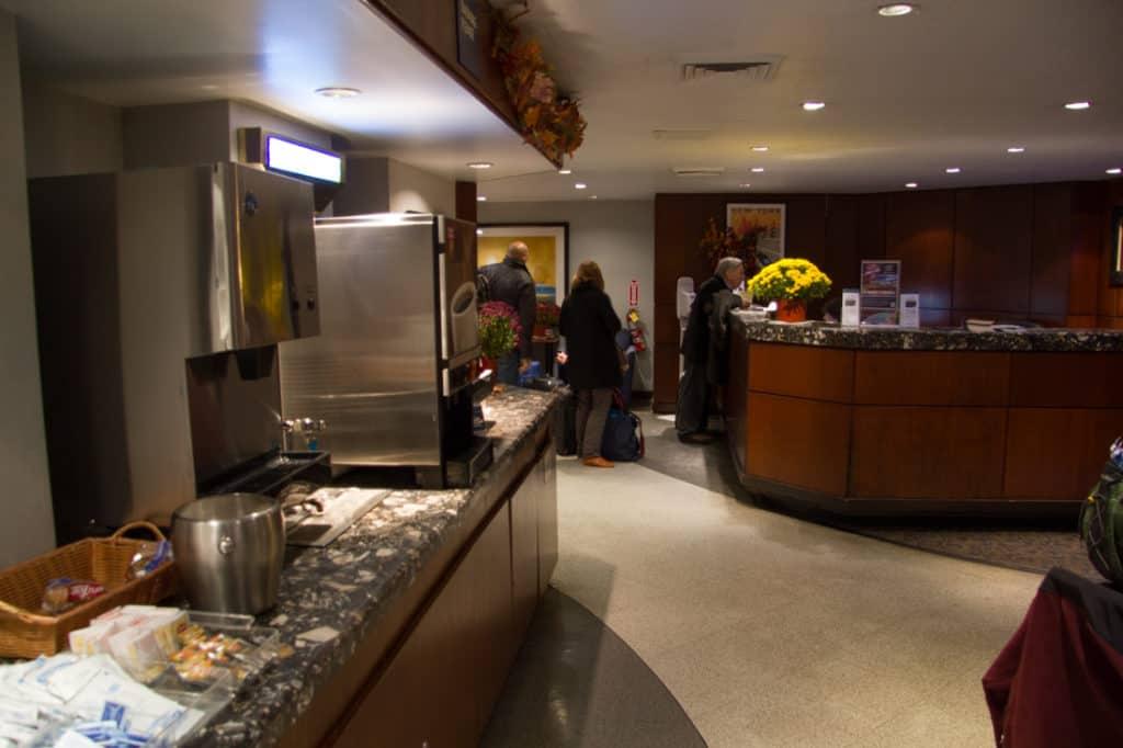 Club Acela Penn Station And Acela First Class Review Super Nova Wife